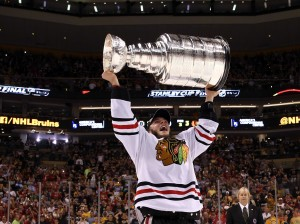 blackhawks-lift-the-stanley-cup-after-amazing-come-back-win